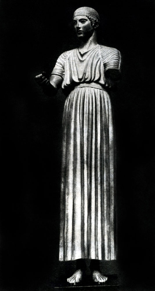138. Дельфийский возничий. Бронза. Около 470 г. до н. э. Дельфы. Музей.