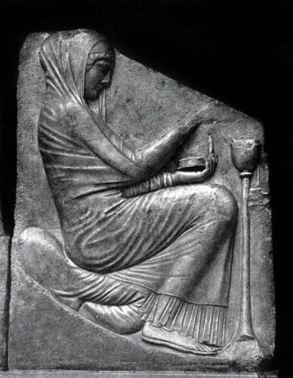 145 6. Трон Людовизи. Женщина, приносящая жертву. Мрамор. Около 470 г. до н. э. Рим. Музей Терм.