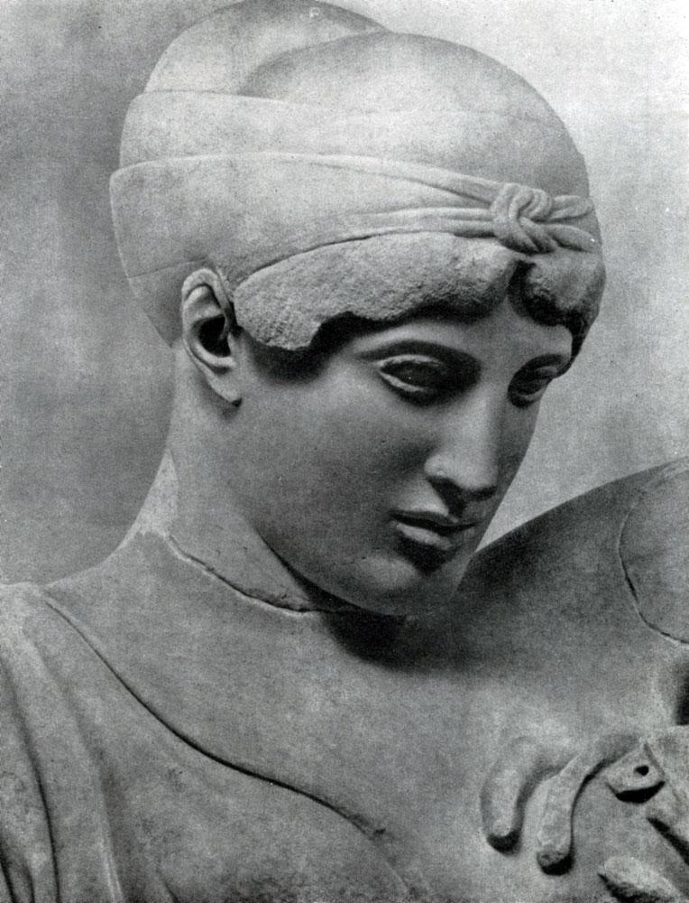 146. Дейдамия с западного фронтона храма Зевса в Олимпии. Голова. Мрамор. 460—450 гг. до н. э. Олимпия. Музей.