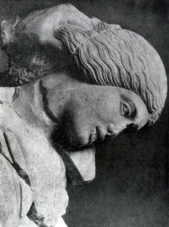 I48 6. Женщина, схваченная кентавром за волосы, с западного фронтона храма Зевса в Олимпии. Голова. См. илл. 148а.