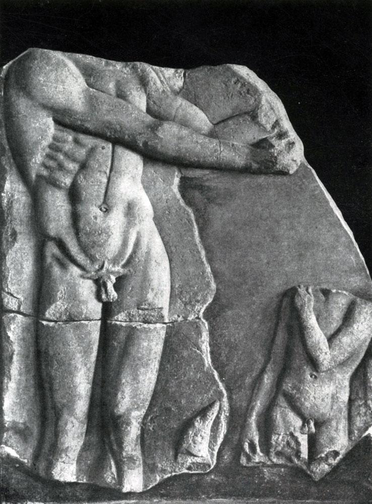 157. Апоксиомен и мальчик. Мраморный рельеф. Середина 5 в. до н. э. Дельфы. Музей.