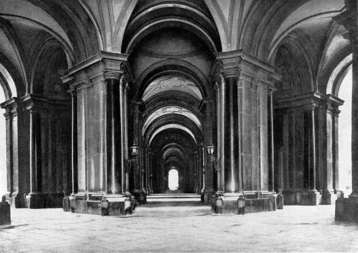 Луиджи Ванвителли. Королевский дворец в Казерте. 1752-1774 гг. Вестибюль.