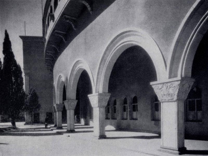 А. Г. Курдиани. Стадион «Динамо» в Тбилиси. 1937 г