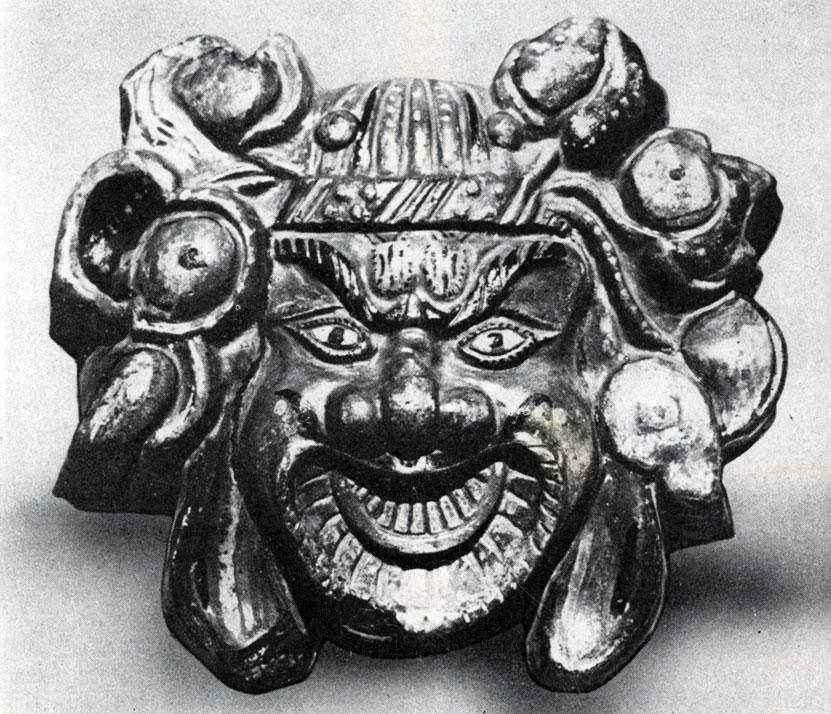 Декоративная маска на фасаде дворца в Кара-Коруме. Керамика. XIII в. Увэр-Хангайский аймак