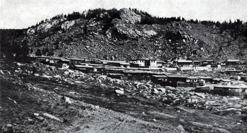 Общий вид монастыря Даш-Чойнхор