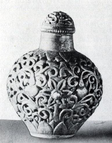 Табакерка. Резьба по металлу. XIX в. Частная коллекция