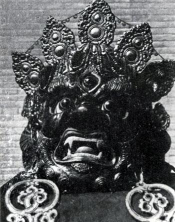 Пунцог-Осор. Гаруда. Маска для религиозной церемонии цам. Папье-маше. XIX в. Храм-музей