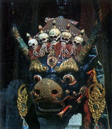 Пунцог-Осор. Ямараджа. Маска для ритуального танца, цам. Папье-маше. XIX в. МИИ