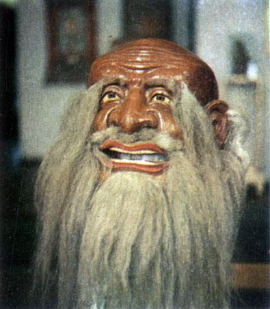 Неизвестный мастер. Белый старец. Маска для религиозной церемонии цам. Папье-маше. XIX в. Храм-музей