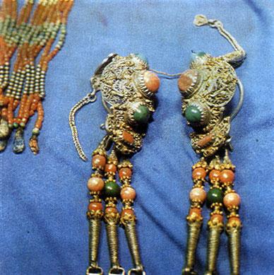 Женские серьги. Серебро, кораллы, бирюза. XIX в.  ГЦМ
