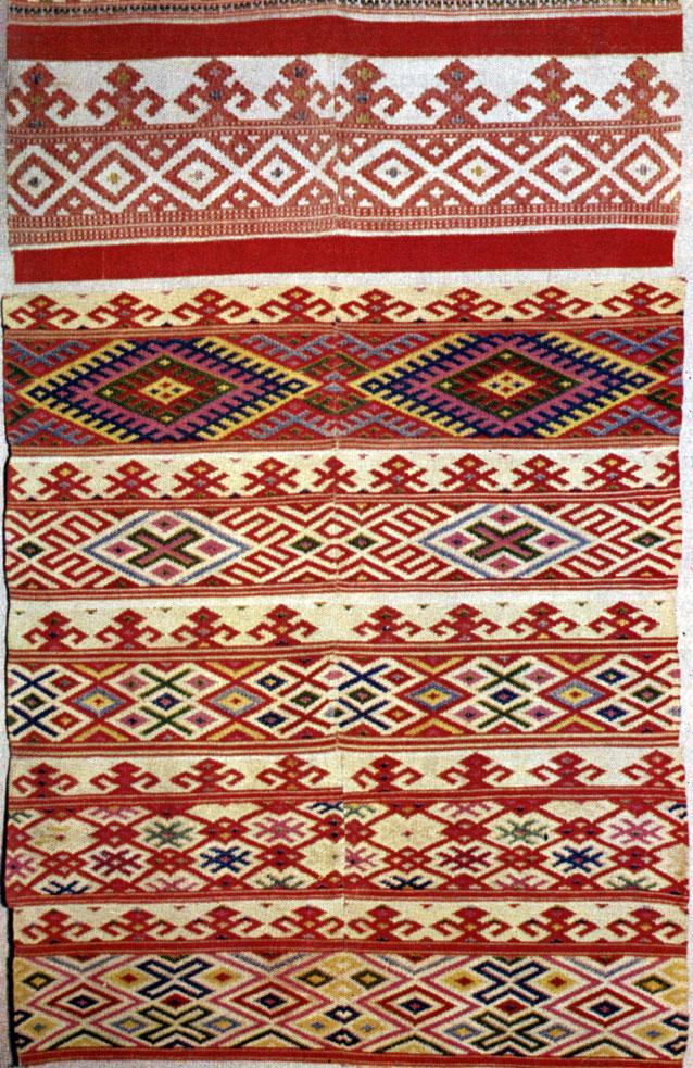 Ткань с орнаментом вышивки 97