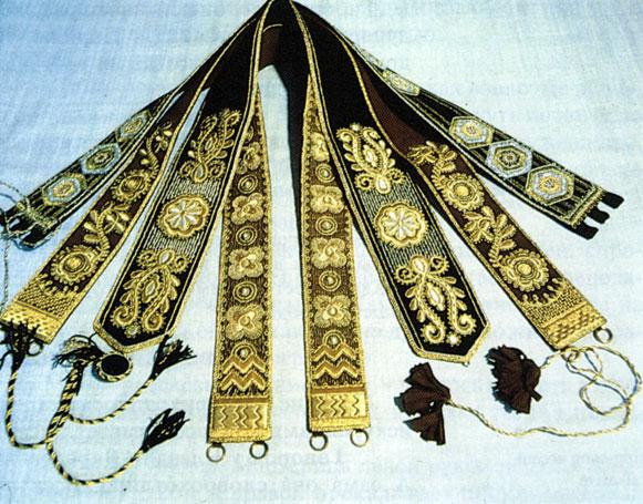 год: вышивка золотом схемы
